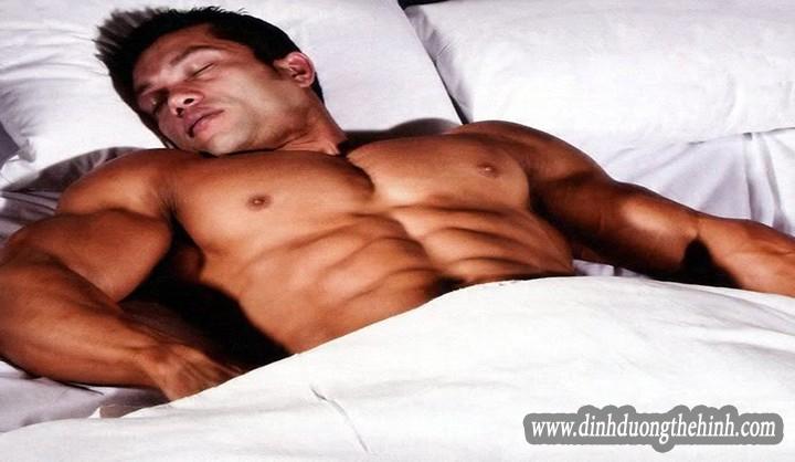 Tầm quan trọng của giấc ngủ với thể hình