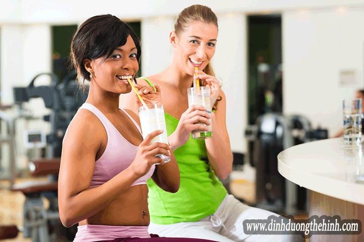 Tại sao uống whey protein để giảm cân và cắt nét ?